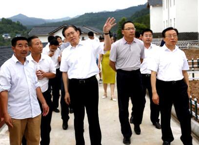 国家发改委副主任林念修带队赴四川省开展脱贫攻坚督查