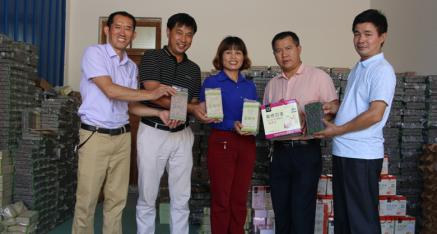 全州县工信商贸局唐文生一行到咸水虹桥米业有限公司考察